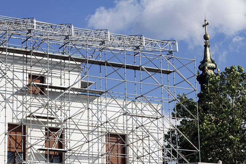 Rentiranje visesmernih gradjevinskih skela